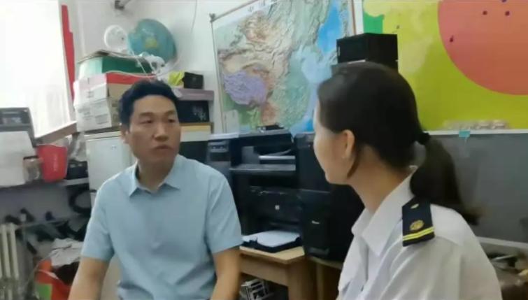 """""""海航行""""实践团队采访海事大学李翔船长"""